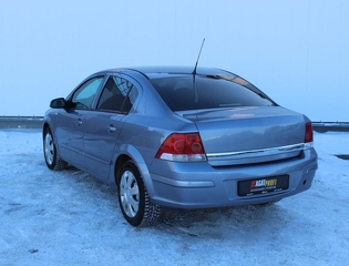 Opel Astra, Седан 2008